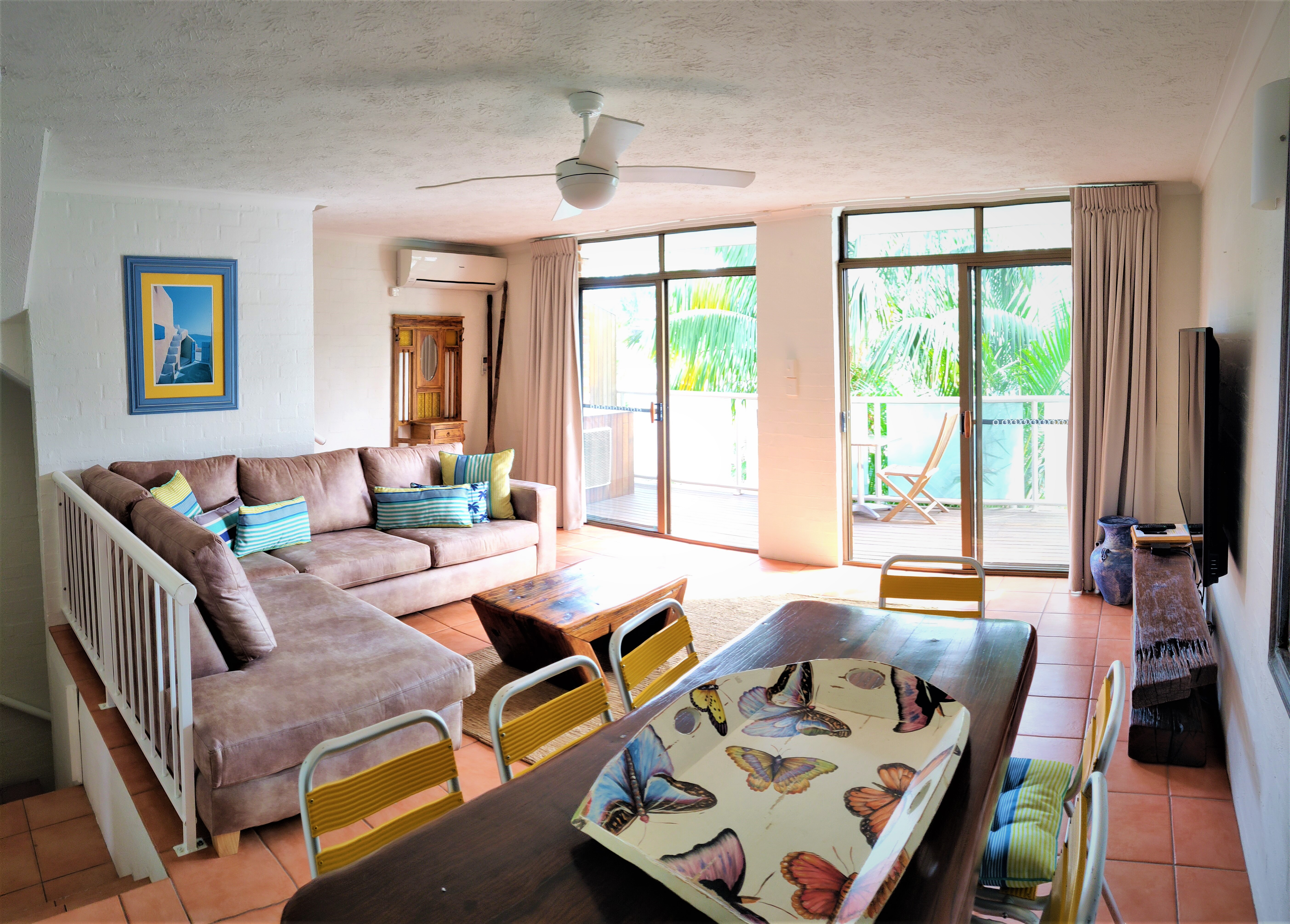 Accommodation in Byron Bay 2019 - Lounge Room Pana Edited 2